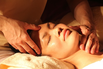 thai_massage_gesicht