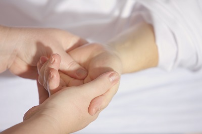 thai_massage_hand